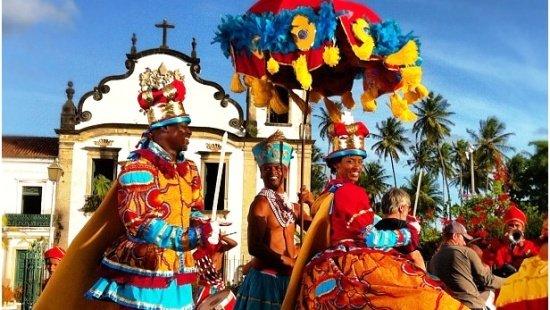 maracatu-exemplo-de-danças-folclóricas-brasileiras